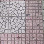 歩道タイル_円と小正方形
